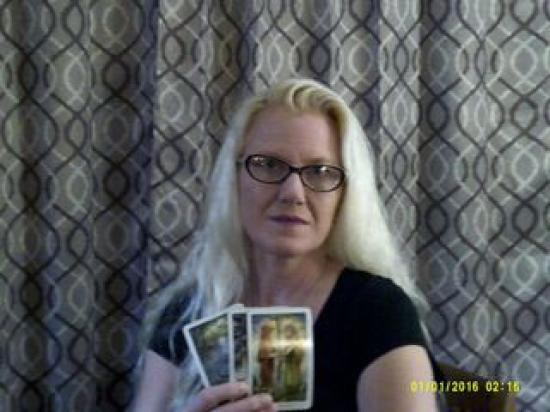 HopeCatherine - Tarot Cards and Dream Analysis
