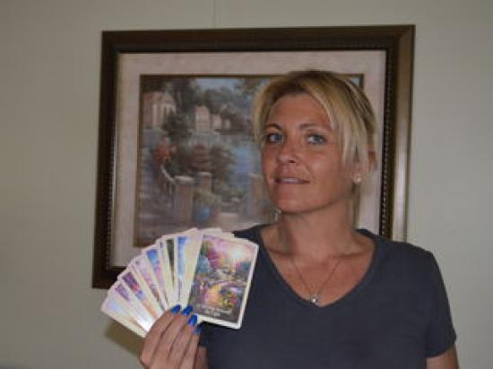 lovingangel24 - Clairsentient and Tarot Cards in Carrollton