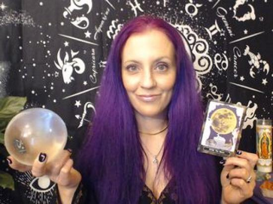VioletMae - Clairvoyant and Tarot Cards